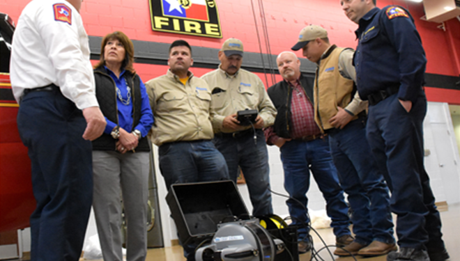 atmos-energy-donates-funds-fire-department-underwater-vehicle.